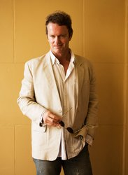Portrait of Craig McLachlan. Wednesday 6th May 2009. Pic by James Brickwood. SHD S 090506 SPECIAL 000